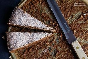 Torta di Cioccolata mit Pinienkernen