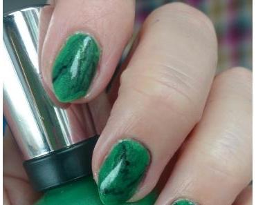 [Nails] #nailsreloadedchallenge - Runde 2:  Marmor mit Sally Hansen 835 Summertime