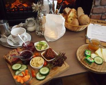 Frühstück im Café Wohnraum