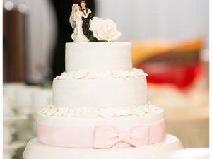Hochzeitstorte selber machen: So geht's!