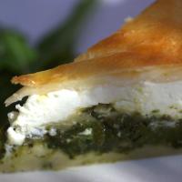 Grüne Blattgemüse-Torte mit Stielmus, Mangold und Rucola