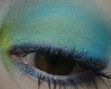 [Eyes] Kat Von D pastel goth eyeshadow palette: gloom, doom, star & dope