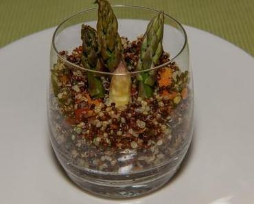 Bunter Quinoakräutersalat mit Spargel (vegan)