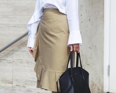 Business Casual Look mit Stella McCartney Sonnenbrille und Topshop Bleistiftrock