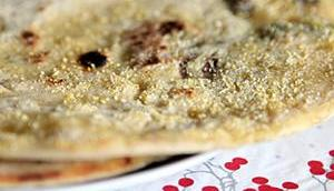 Bitte Tisch: Dinkel-Palatschinken-Brot