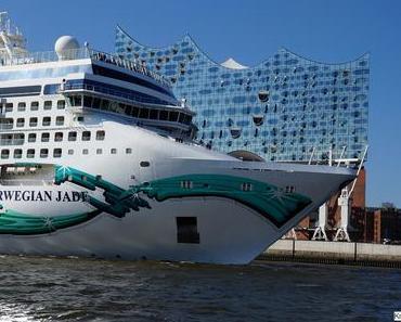 Ersteinlauf der Norwegian Jade in Hamburg