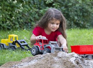 Plasto Spielzeug aus Finnland für Kinderhände gemacht