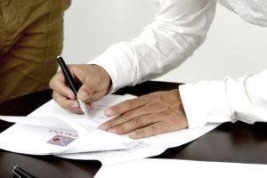 Der Arbeitsvertrag – 12 Punkte, die in Ihrem Arbeitsvertrag nicht fehlen sollten!