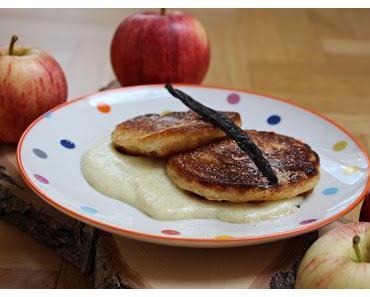 Apfelküchle mit selbstgemachter Vanillesoße
