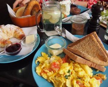 Frühstück bei Kaffee & Kuchen