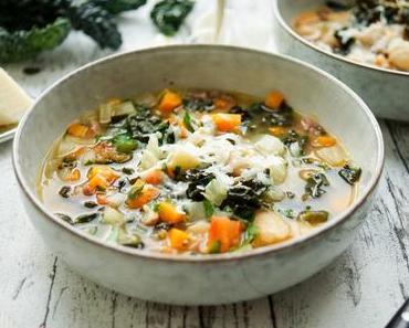 Toskanische Bohnensuppe mit Grünkohl (Ribollita)