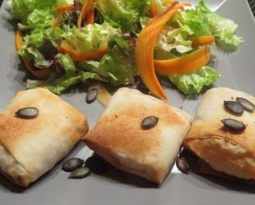 Mini-Kürbisstrudel an Salatbouquet