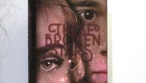 Rezension These Broken Stars Sofia Gideon Amie Kaufman Meagan Spooner