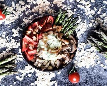 [Rezept] Haferspätzle Bowl mit Gemüse und Avocadocreme
