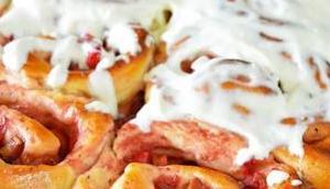 Rhabarber Vanilleschnecken Frischkäseglasur- Laber [Blogevent]