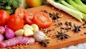GESUNDE ERNÄHRUNG ALLTAG gesund ausgewogen kochen Alltag hilfreiche Küchen- Esstipps stressige Zeiten