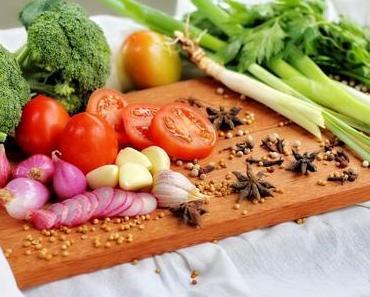 GESUNDE ERNÄHRUNG IM ALLTAG - + + + gesund und ausgewogen kochen im Alltag + + hilfreiche Küchen- und Esstipps für stressige Zeiten + + +