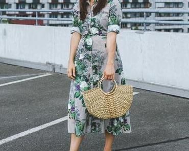 Sommer Outfit mit Blusenkleid, Hérmes Oran Mules Dupes und Strohtasche