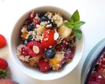 Sommerlicher Beerensalat mit Quinoa