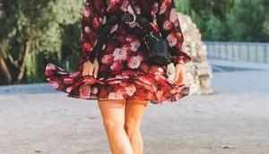 Mein Spätsommer Outfit geblümtem Kleid schwarzer Lederjacke