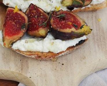 Toast mit frischem Ricotta, Feigen und Zitrone/ Fresh Ricotta Toast with Figs, Lemon and Honey (Deutsch & English) - Werbung