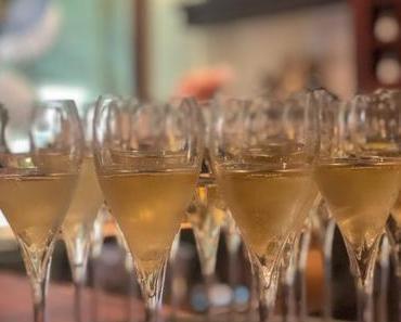 CHAMPAGNE DE WATÈRE - + + + exklusiver Champagner ++ Cuvée Premier Cru Brut Rosé de Saignée ++ Cuvée Premier Cru Brut Blanc + + +