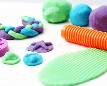 Super easy und ohne giftige Inhaltsstoffe: Knete für Kleinkinder selber machen