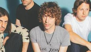 "NEWS: Razorlight zeigen Video neuen Single ""Carry Yourself"""