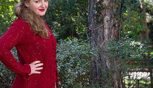 Herbst Outfit Bordeaux Jacquard Kleid