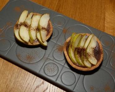 Carob-Karamelltörtchen mit Birnen