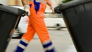 Santa Eulària entfernt Tonnen Abfall Wildbach Cala Llonga