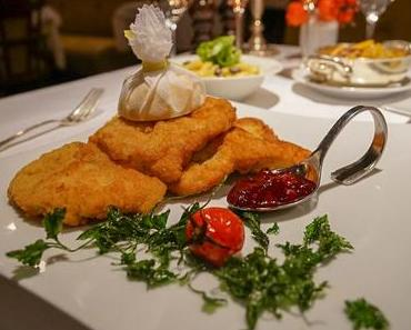 DAS LINDNER Romantik Hotel in Bad Aibling - + + + Restaurant Lindner Stub'n ++ Wiener Schnitzel im Test ++ Besuch in der Therme Bad Aibling + + +