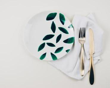 DIY-Idee: So bemalst du einen Teller mit Porzellanfarbe