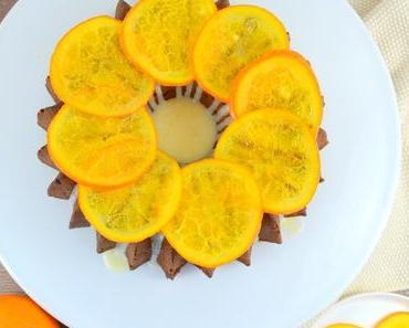 Zitrus-Buttermilch-Gugelhupf mit Sirup-Orangen