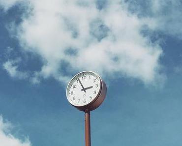 Jede Minute zählt:  Warum die Zeit dir keine Zeit mehr lässt