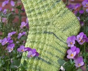 Mehr grüne Socken und Nähen für den guten Zweck
