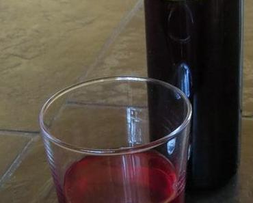 Roter Johannisbeersirup