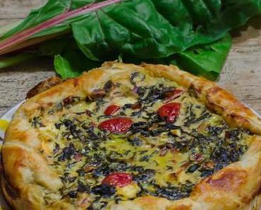 Blätterteigquiche mit Mangold, Schafsfeta und Tomaten