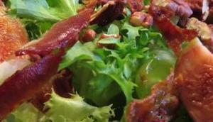 Feigen-Frisée-Salat Bacon