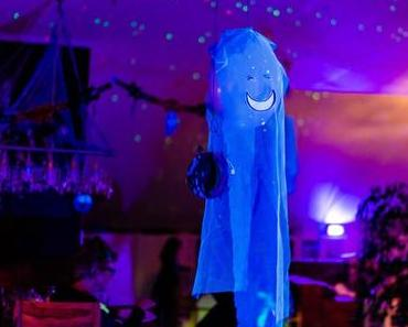 Halloween Deko selber machen: Luftballon Geister basteln