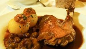 WALDGASTHOF BUCHENHAIN hochwertige bayerische Küche zahlreiche Events Biergarten