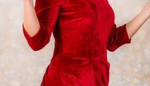 Weihnachtskleid Damen nähen rotem Samt: Tipps fürs Nähen elastischem Samt-Sweat