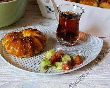 Türkische gefüllte Pogaça sind einfach nur lecker und leicht zu machen #Rezept #Food #Hefeteig