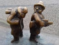 Nielpferdbrunnen am Wühlischplatz