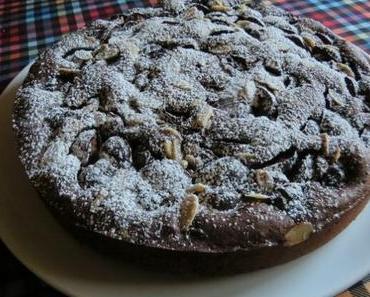 Schokoladen-Zwetschgenkuchen mit Tonkabohnen
