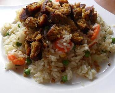 Mittagessen   Reis-Gemüse-Pfanne mit Falafel (vegetarisch)