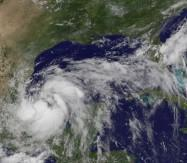 Tropischer Sturm ARLENE bedroht Veracruz, Mexiko