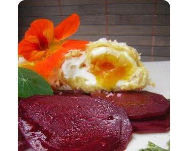 Frittierte pochierte Eier mit Roter Bete aus Mälzer & Witzigmann