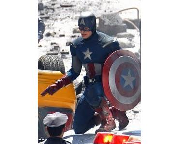 The Avengers: Chris Evans im neuen Captain America Kostüm