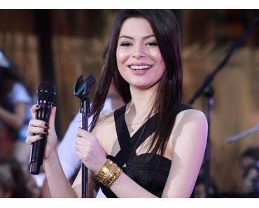 Miranda Cosgreve performt live!